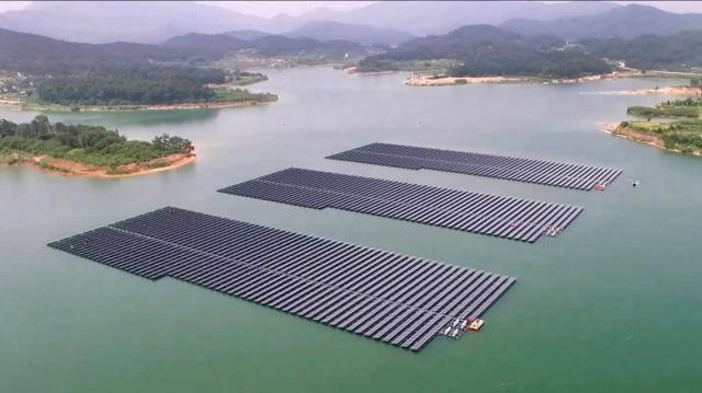 Đắk Lắk đề xuất bổ sung dự án điện mặt trời nổi đầu tiên vào qui hoạch - Ảnh 1.