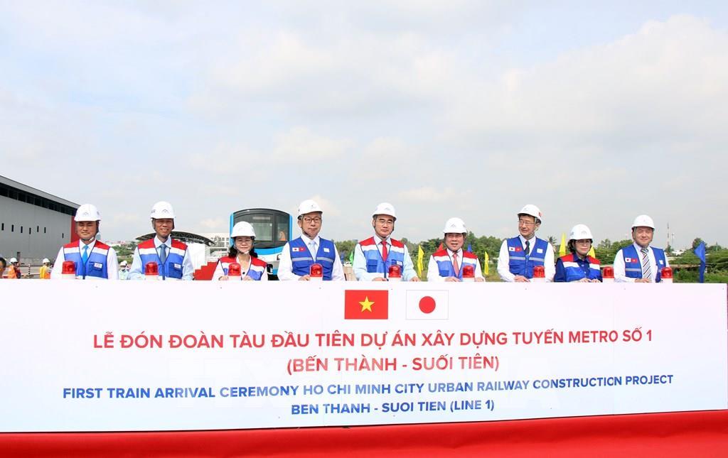 Đoàn tàu đầu tiên của dự án metro số 1 Bến Thành - Suối Tiên chính thức ra mắt - Ảnh 1.