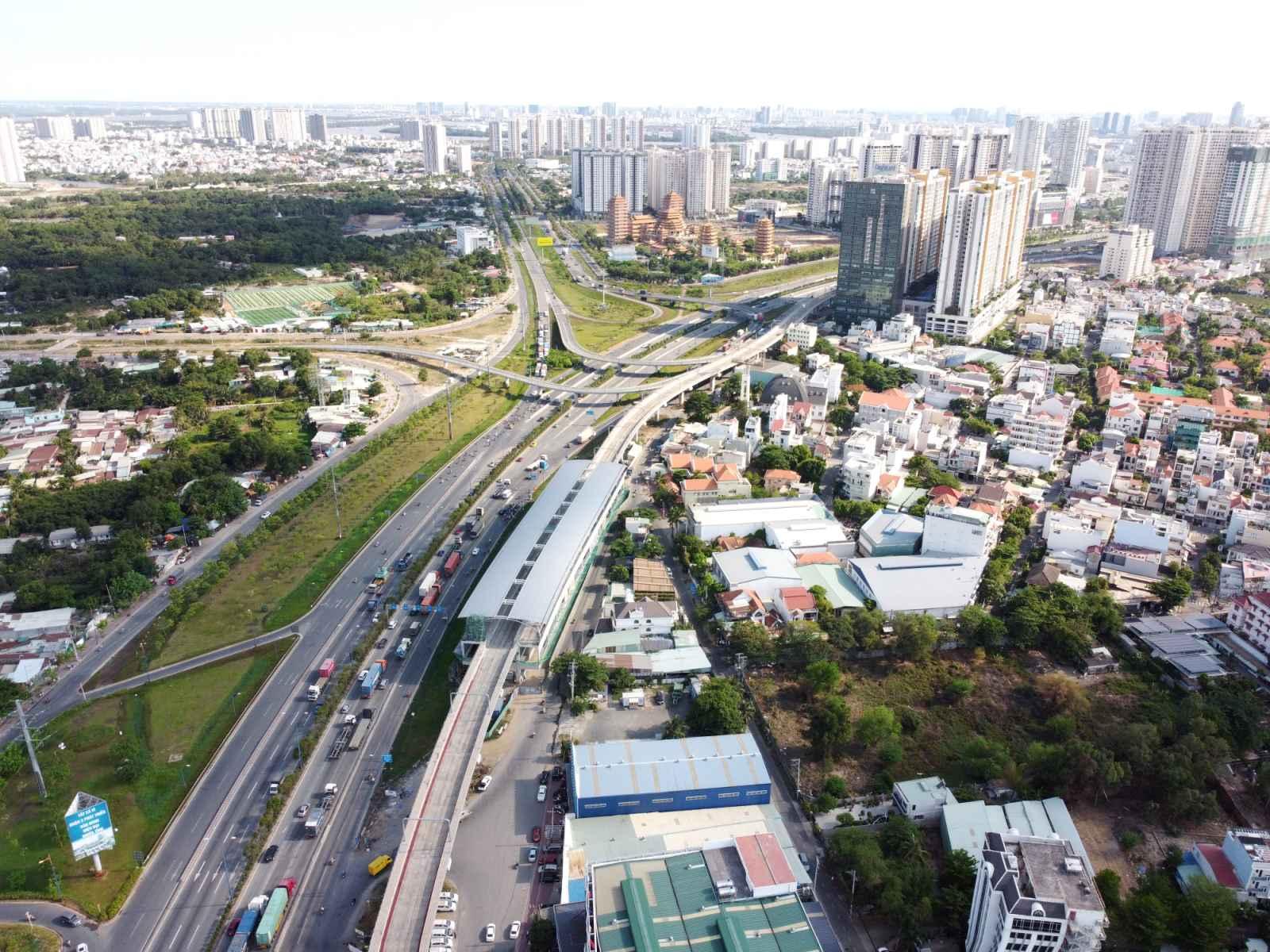 TP HCM điều chỉnh giảm hơn 1.000 tỉ đồng vốn đầu tư công với 433 dự án  - Ảnh 1.