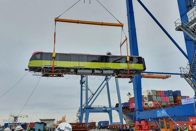Đoàn tàu đầu tiên tuyến metro Nhổn - ga Hà Nội cập cảng Hải Phòng sớm hơn dự kiến