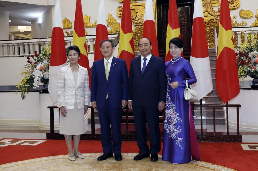 Truyền thông quốc tế đưa tin về chuyến thăm Việt Nam của tân Thủ tướng Nhật Bản - Ảnh 1.