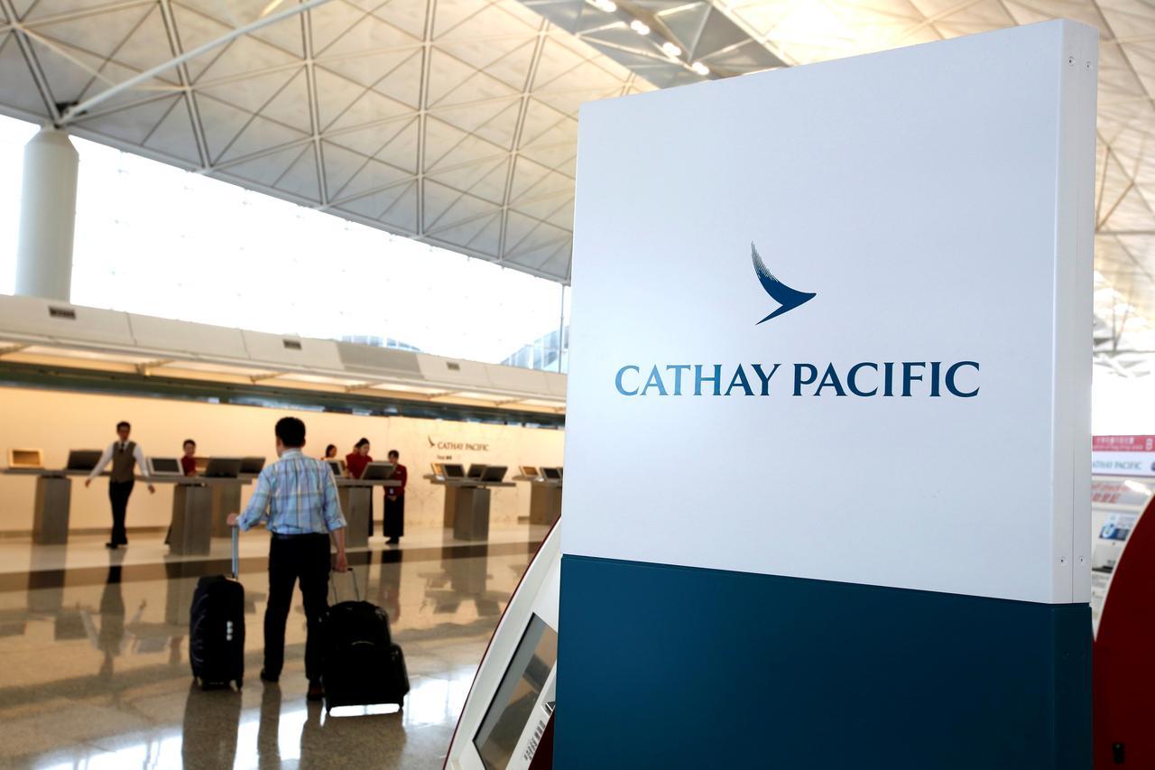 Cathay Pacific sẽ cắt giảm 5.900 việc làm và đóng cửa chi nhánh Cathay Dragon - Ảnh 1.