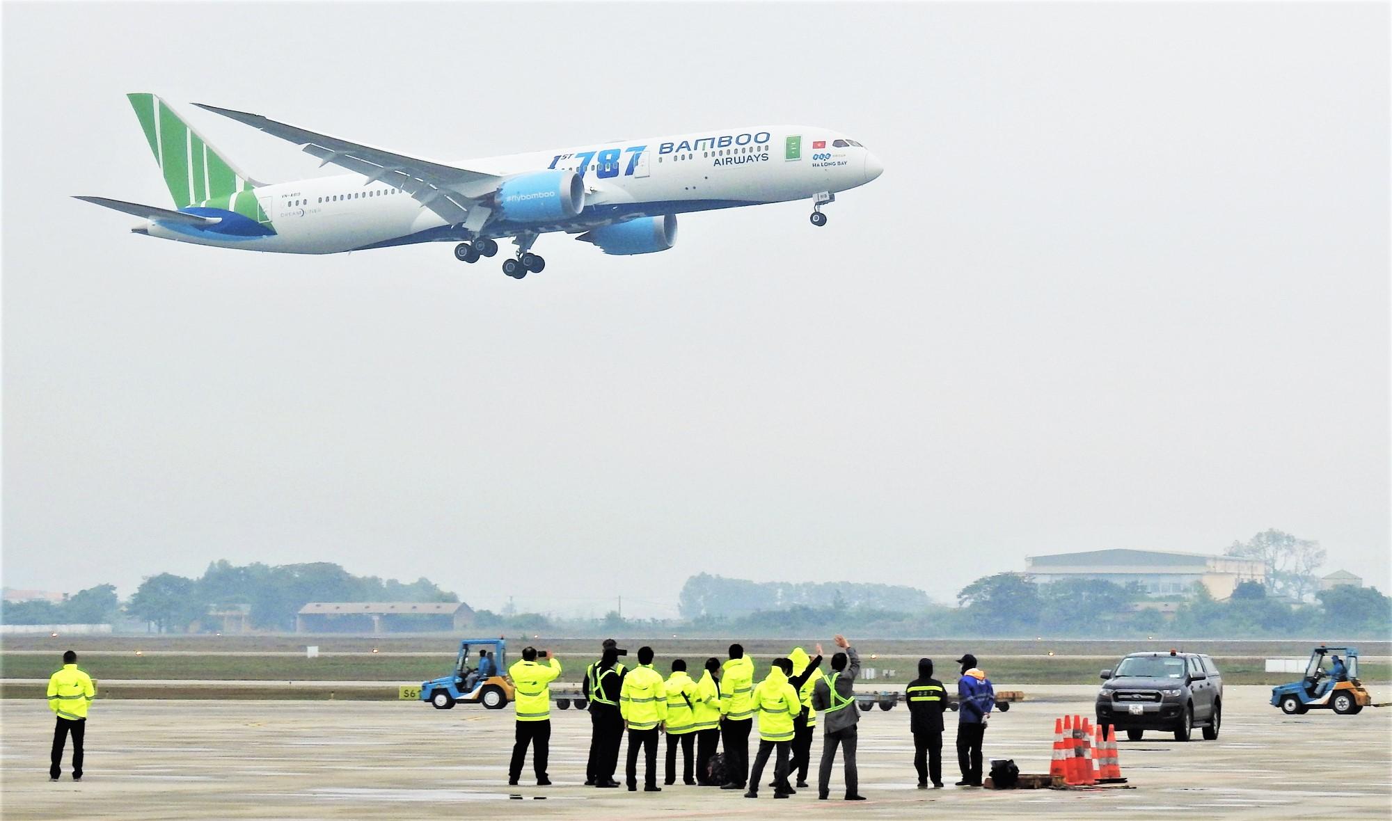 Hà Nội - TP HCM trong top 2 đường bay đông khách nhất thế giới - Ảnh 1.