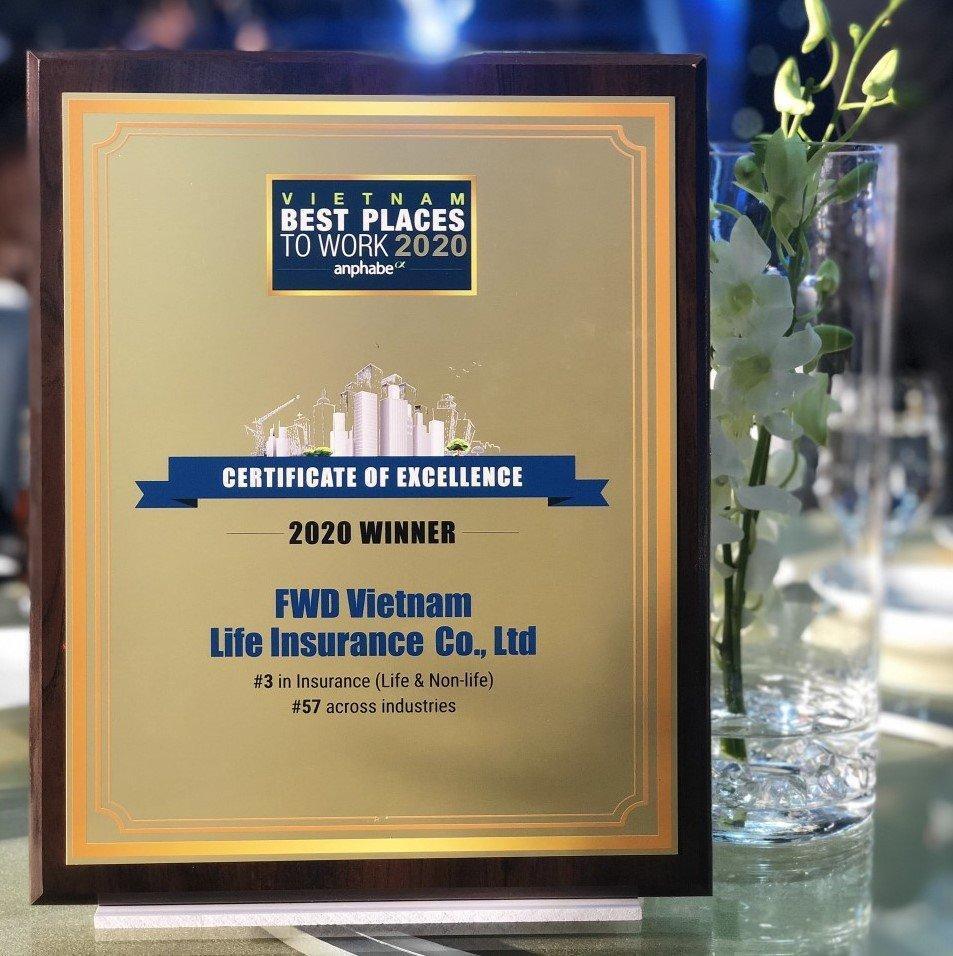 FWD được gọi tên trong Top 3 môi trường làm việc tốt nhất ngành bảo hiểm - Ảnh 2.
