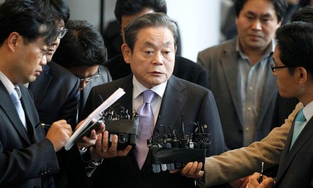 Vốn hóa thị trường của Samsung Electronics tăng mạnh dưới thời cố Chủ tịch Lee Kun-Hee - Ảnh 2.