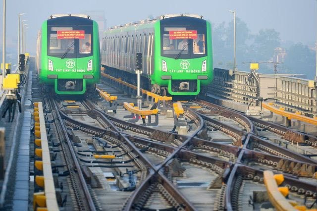 Huy động nhân lực chuẩn bị vận hành tuyến đường sắt Cát Linh - Hà Đông - Ảnh 1.