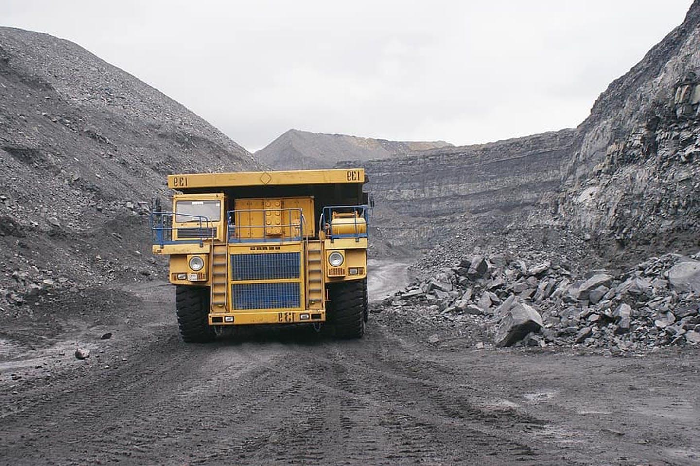 Indonesia sẽ hạn chế xuất khẩu than thô trong thời gian tới - Ảnh 1.