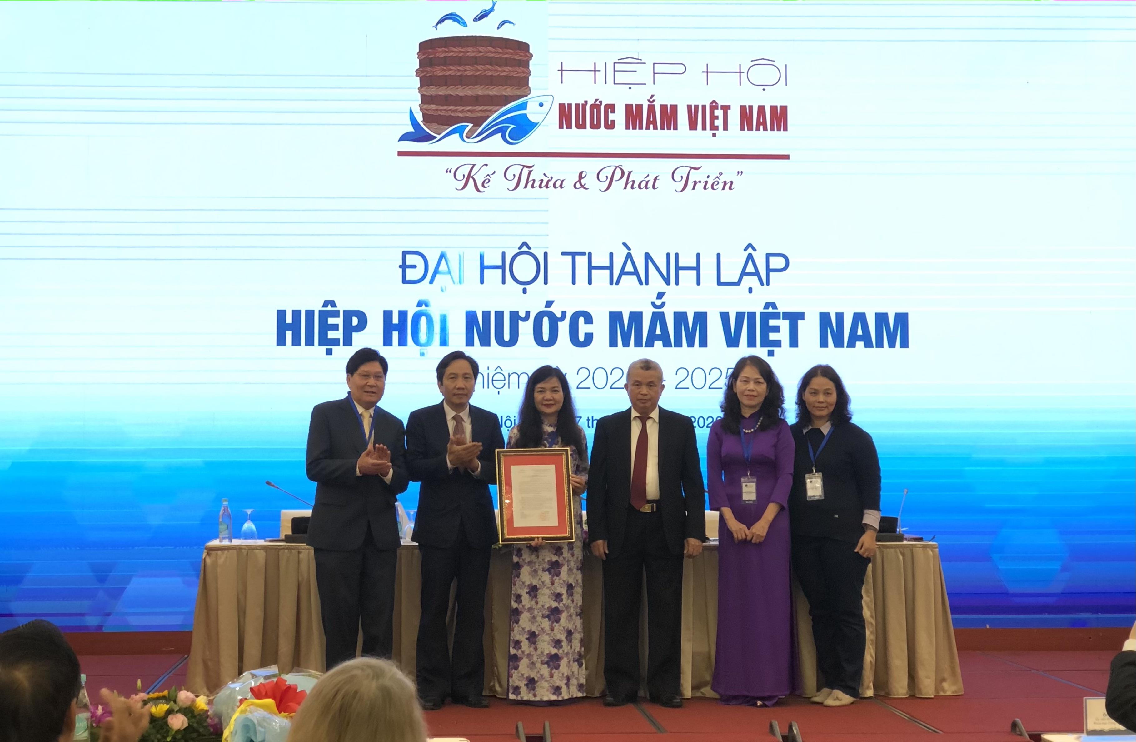 Thành lập Hiệp hội Nước mắm Việt Nam - Ảnh 1.