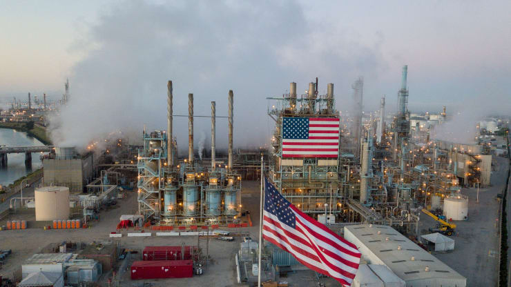 Giá xăng dầu hôm nay 29/10: Tồn kho tăng, giá dầu tiếp tục giảm - Ảnh 1.