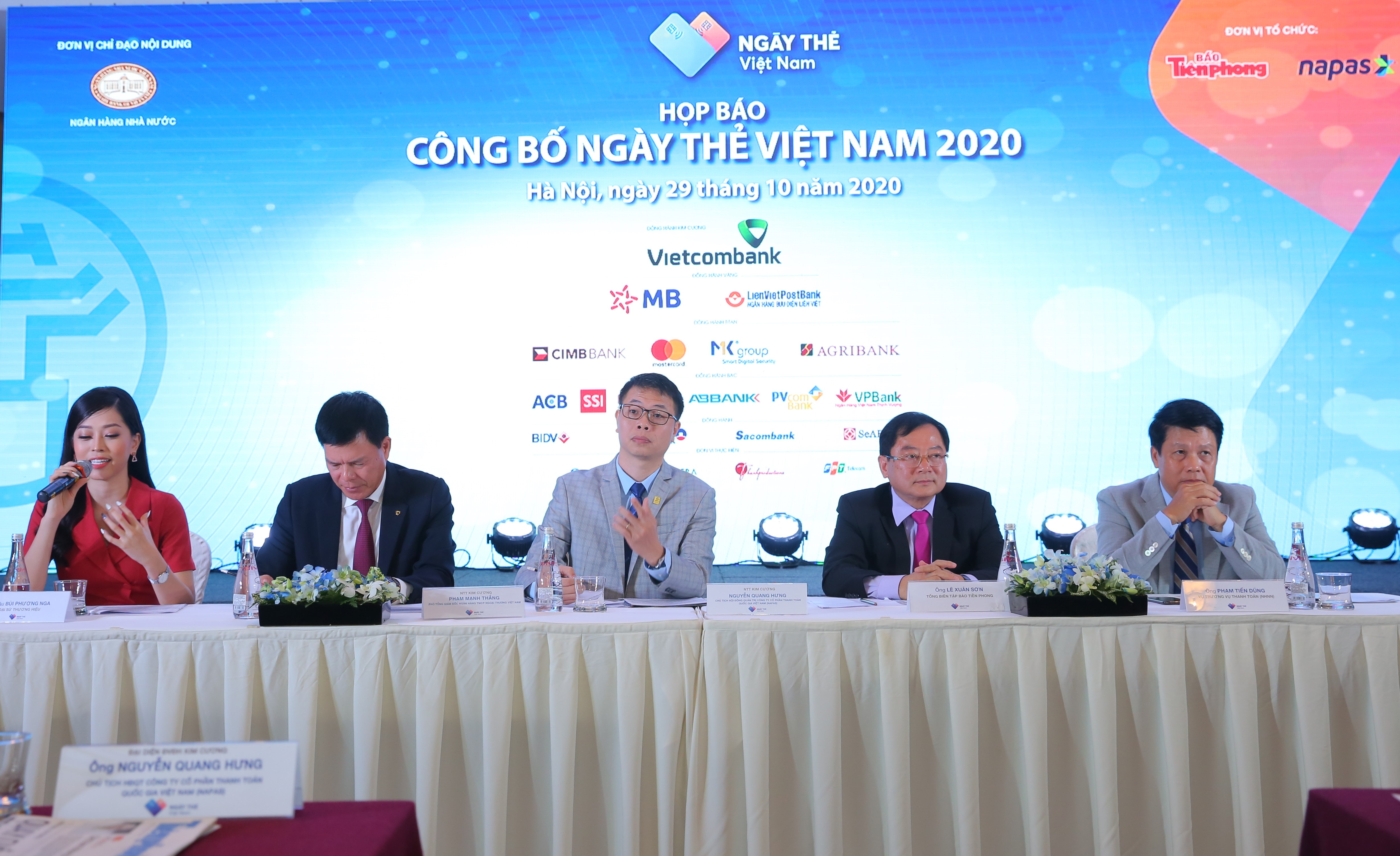 Công bố 'Ngày thẻ Việt Nam 2020': 10.000 thẻ không tiếp xúc sẽ được phát hành với nhiều ưu đãi - Ảnh 3.