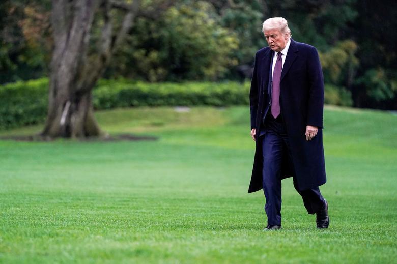 [PhotoStory] Một tuần bận rộn của Tổng thống Trump trước khi xác nhận nhiễm COVID-19 - Ảnh 23.