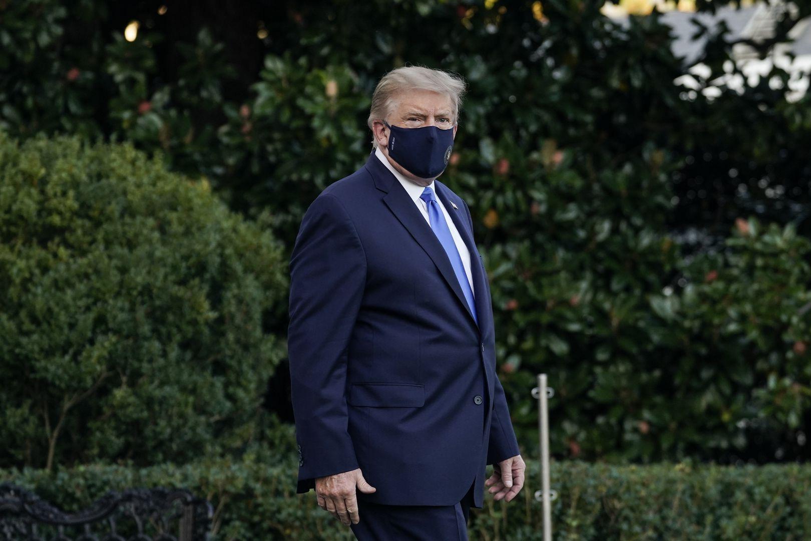Tình hình sức khỏe ông Trump hiện ra sao?