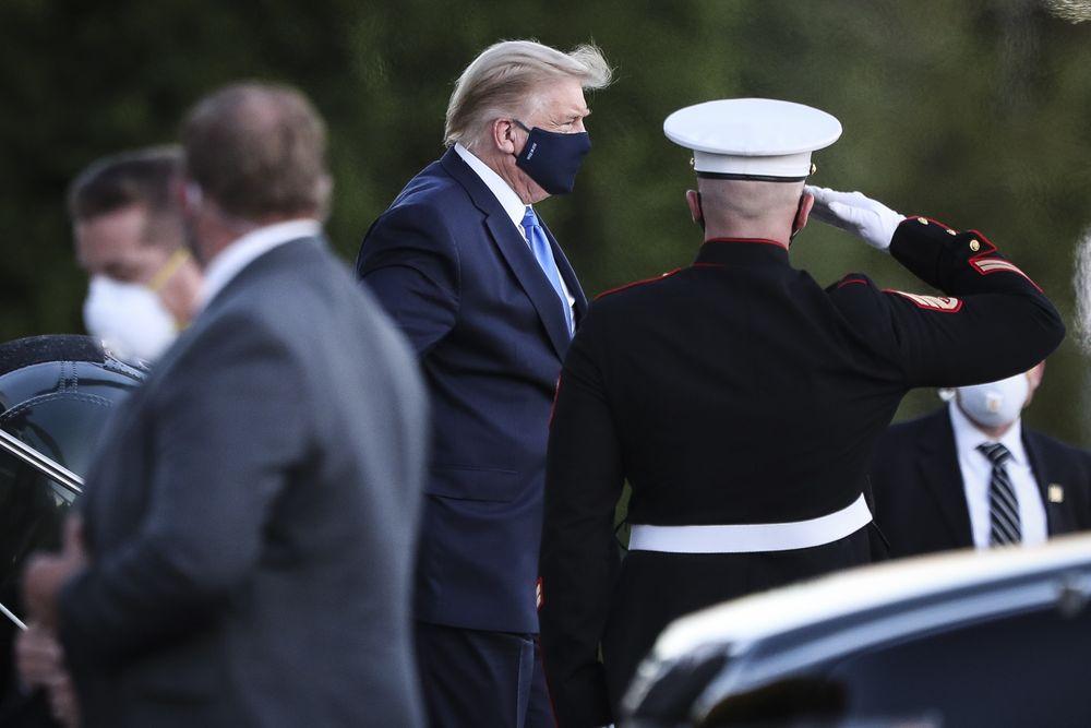 Chứng khoán Mỹ lao dốc sau tin ông Trump nhiễm COVID-19 - Ảnh 1.