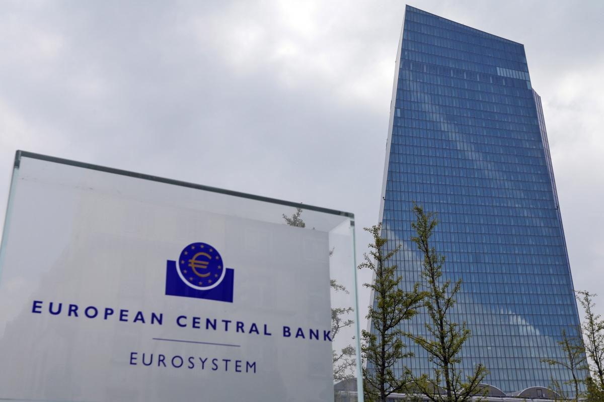 ECB không thay đổi lãi suất chủ chốt - Ảnh 1.