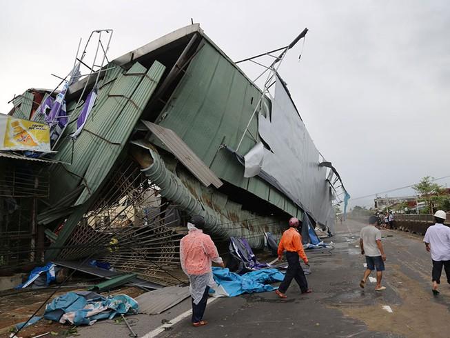 Quảng Ngãi thiệt hại 3.200 tỉ đồng do bão số 9 - Ảnh 1.