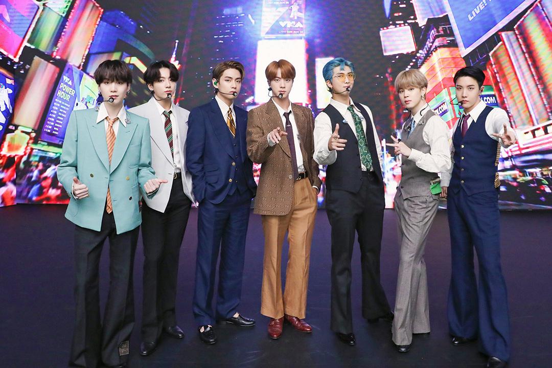 Niềm tự hào BTS vươn đến đỉnh cao, còn Hàn Quốc chơi mãi bản nhạc cũ