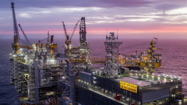 Giá xăng dầu hôm nay 10/10: Đình công ở Na Uy, giá dầu giảm trở lại - Ảnh 1.