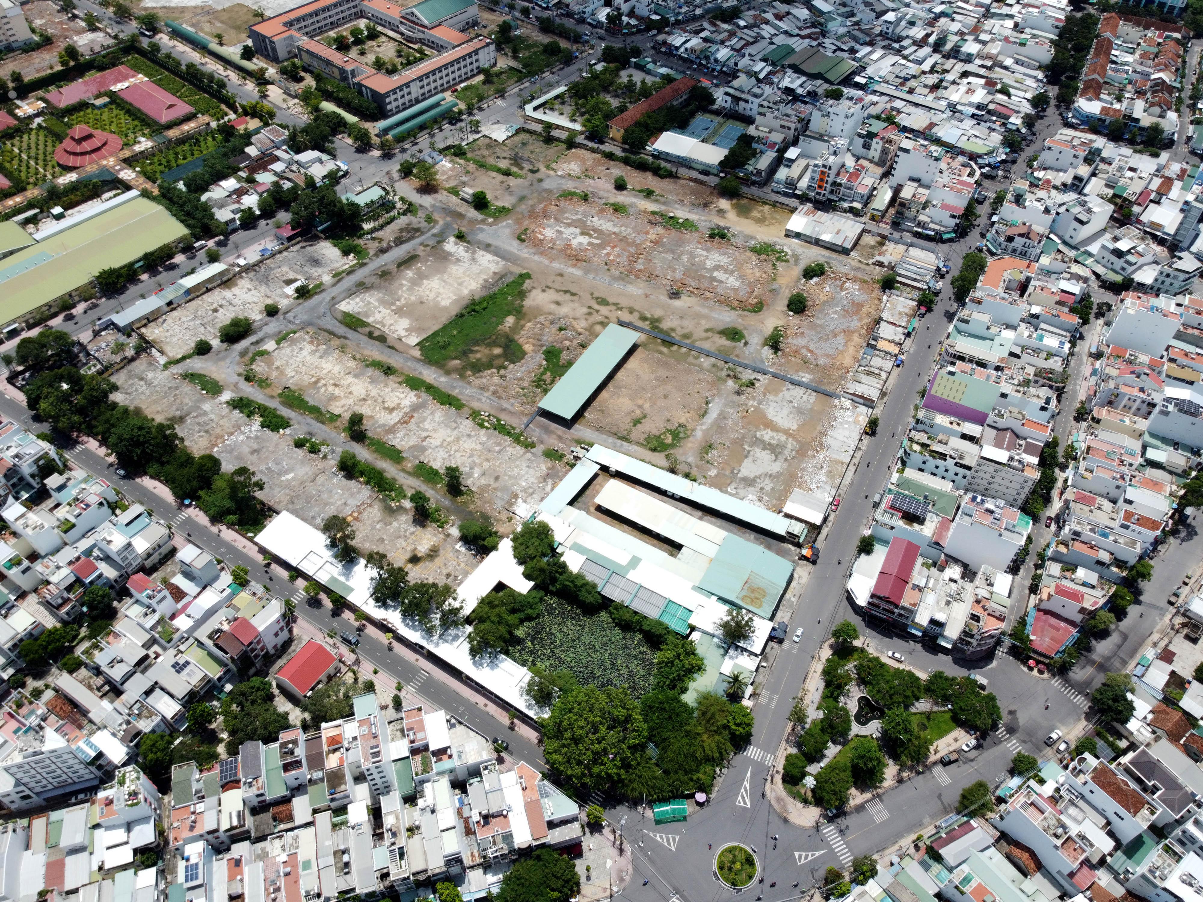 Khánh Hòa: Cận cảnh khu đất kho cảng Bình Tân rộng 6,1ha chuẩn bị đấu giá - Ảnh 2.