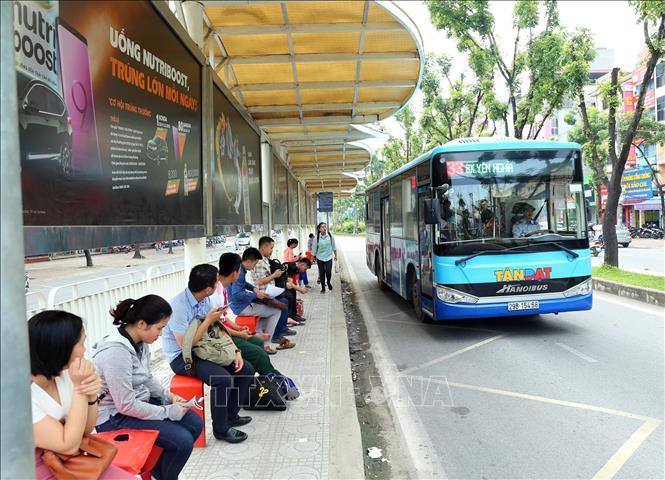 Hà Nội dự kiến đến năm 2030 sẽ tổ chức 10 làn đường ưu tiên cho xe buýt - Ảnh 1.