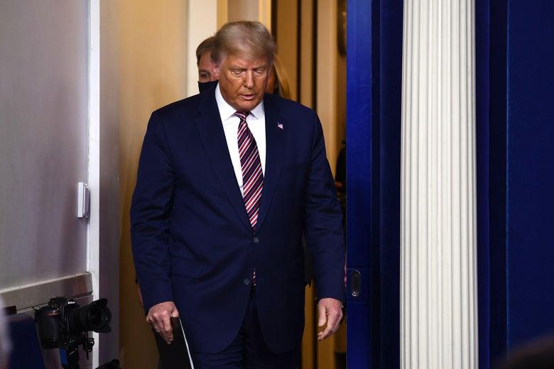 Vì sao cuộc chiến pháp lí của ông Trump lụi tàn dần? - Ảnh 1.