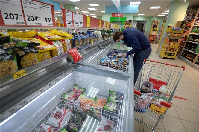 Nga gia hạn lệnh cấm vận nhập khẩu thực phẩm từ phương Tây đến cuối năm 2021 - Ảnh 2.