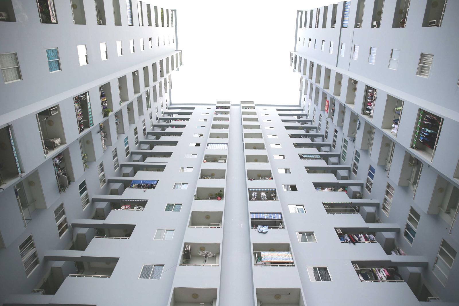 Hàng vạn căn hộ ở TP HCM có cơ hội xóa treo sổ hồng - Ảnh 1.