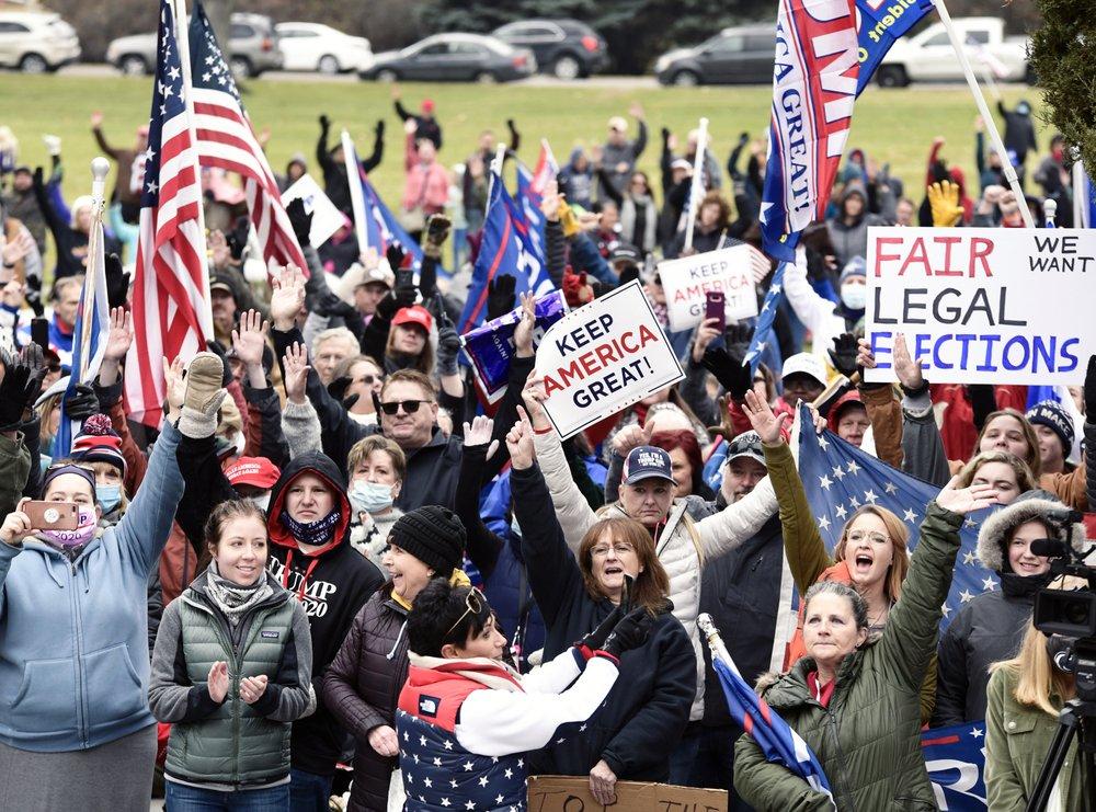 Người ủng hộ ông Trump từ chối nhận thất bại, nổi lên biểu tình khắp nơi - Ảnh 4.