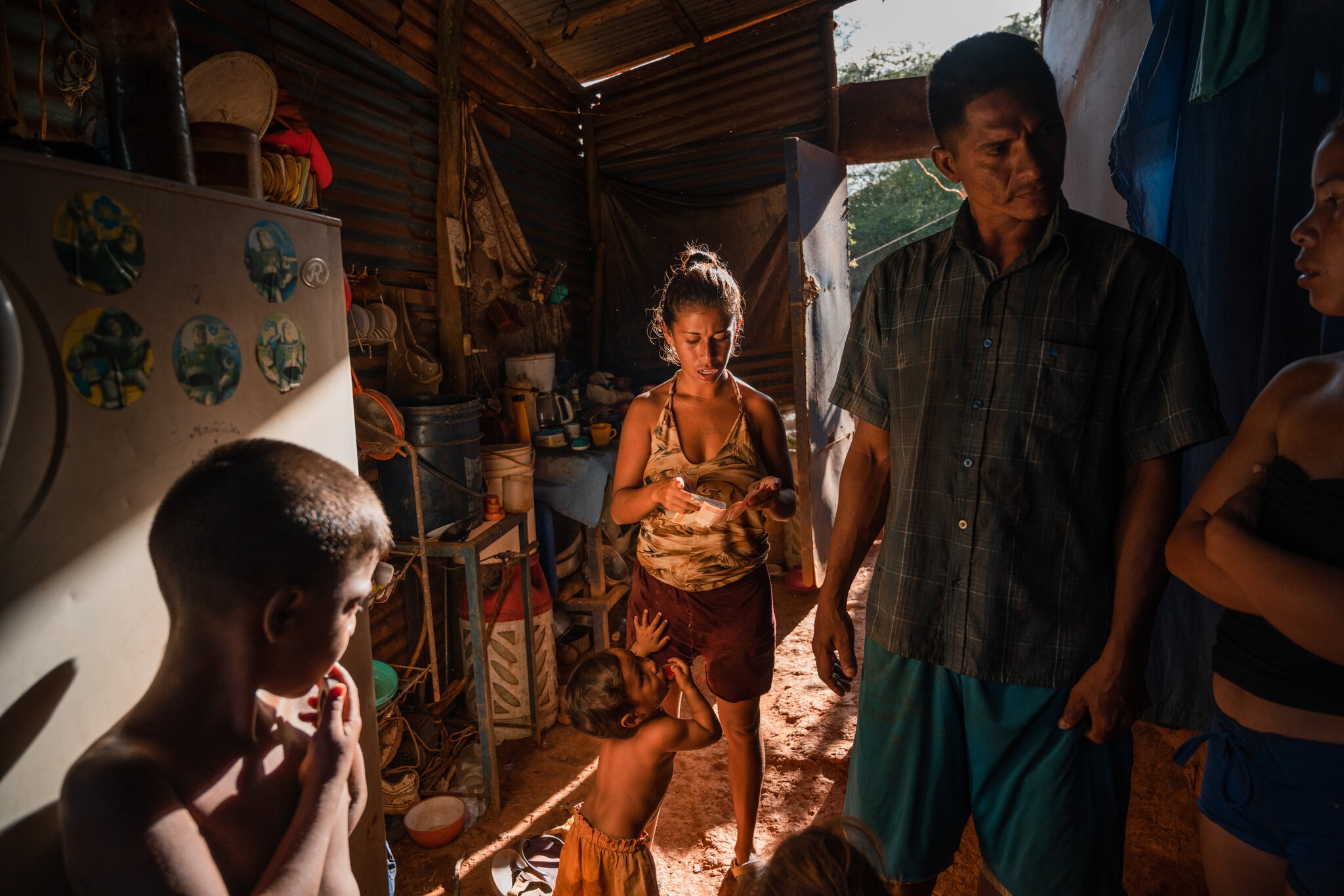 Kho báu dạt vào bờ biển Venezuela, mang theo vàng và hi vọng cho một làng chài nhỏ - Ảnh 1.