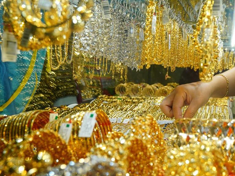 Giá vàng hôm nay 14/12: Mở phiên đầu tuần, SJC tăng 100.000 đồng/lượng - Ảnh 1.