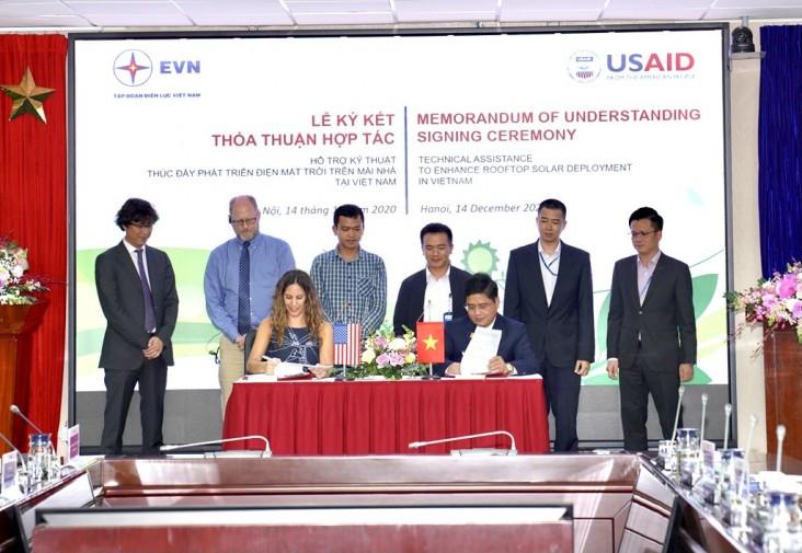 Mỹ hỗ trợ Việt Nam phát triển điện mặt trời mái nhà, dự kiến chi thêm 36 triệu USD - Ảnh 1.