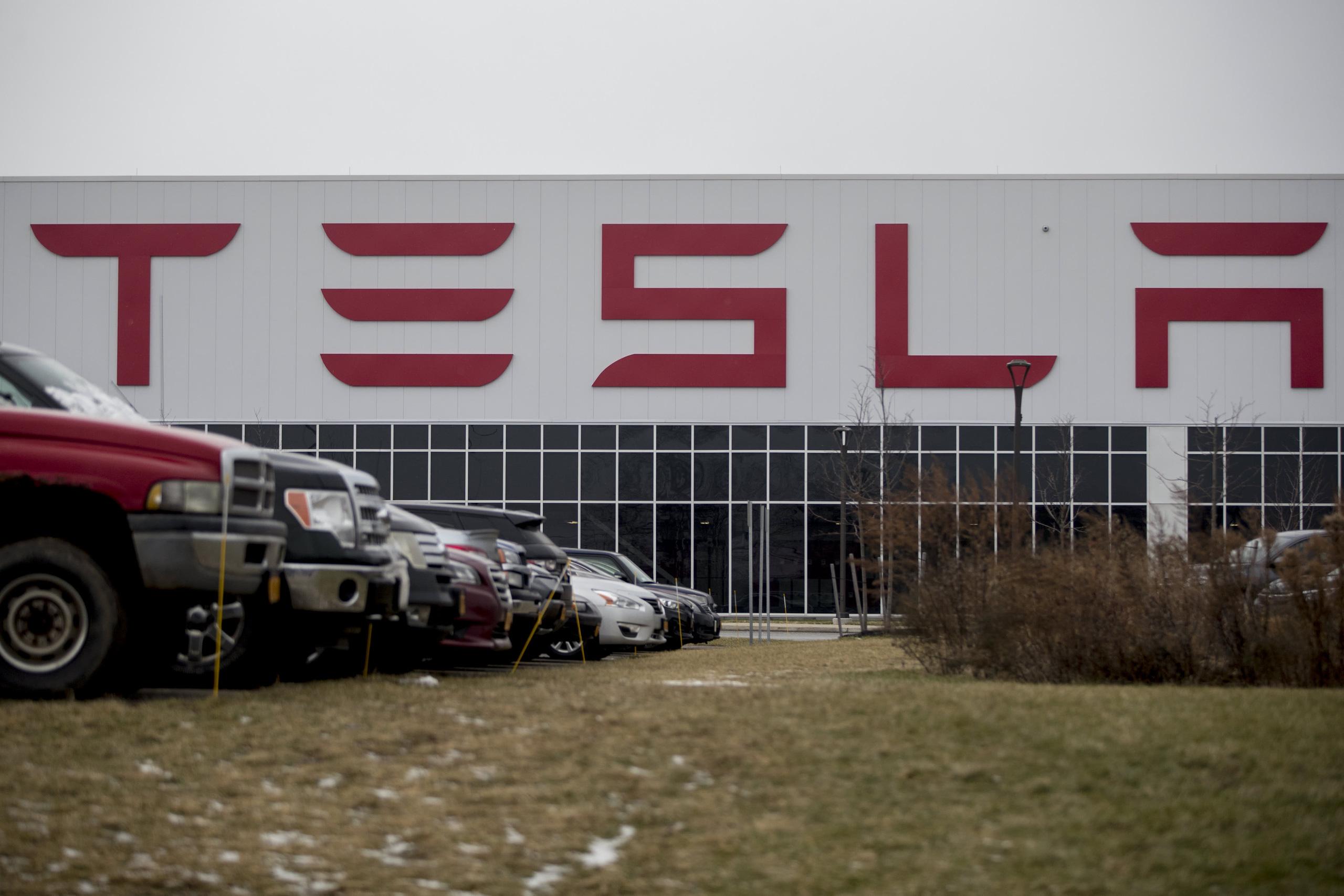 Thành triệu phú nhờ chỉ mua và giữ cổ phiếu Tesla - Ảnh 5.