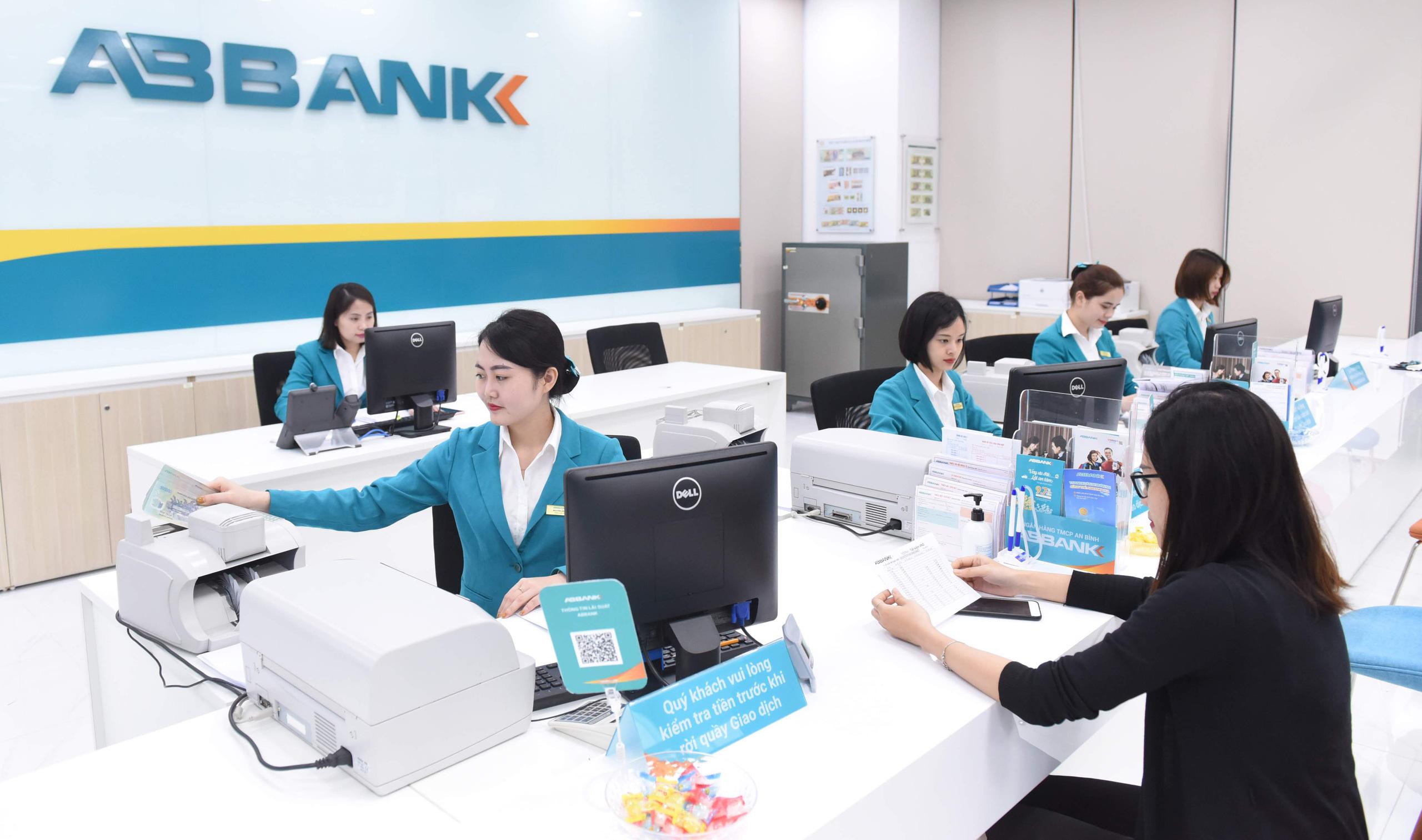 ABBank lãi 1.378 tỷ đồng trước thuế 11 tháng đầu năm - Ảnh 1.