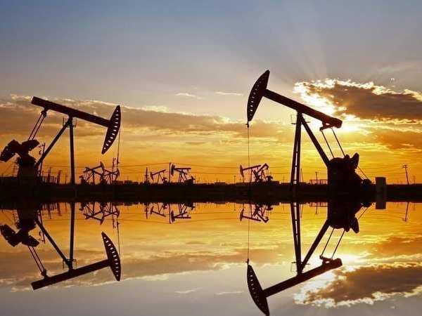 Giá xăng dầu hôm nay 24/12: Dầu tăng 2% sau khi tồn kho Mỹ giảm - Ảnh 1.