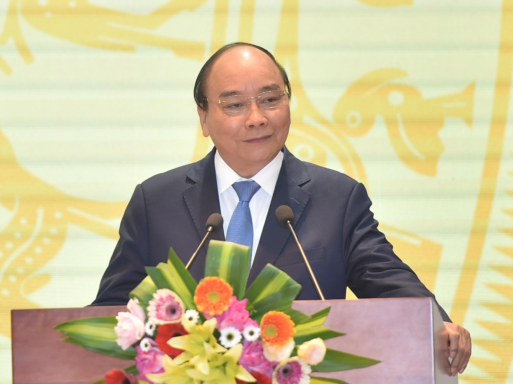 Thủ tướng: Ngân hàng chưa nhằm mục tiêu lợi nhuận trong bối cảnh khó khăn - Ảnh 1.