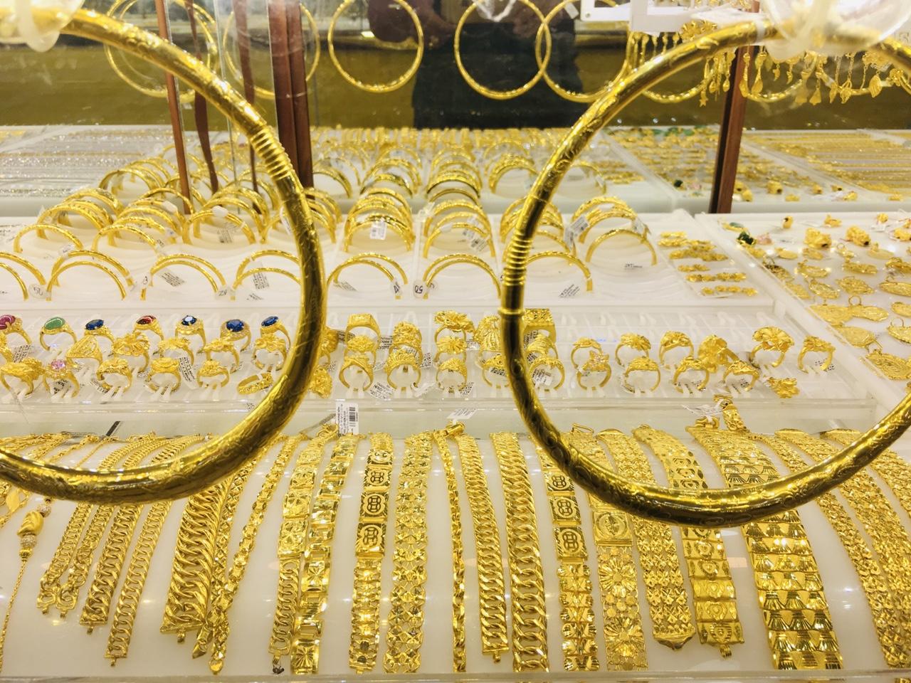 Giá vàng SJC tăng hơn 28% trong năm 2020 - Ảnh 1.