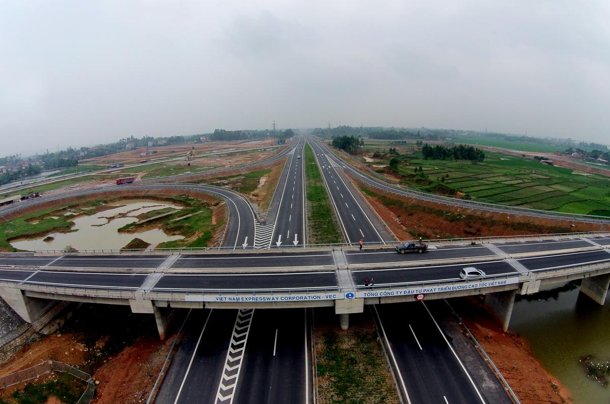 Gấp rút lựa chọn nhà thầu cho gói thầu cao tốc hơn 2.300 tỷ đồng - Ảnh 1.