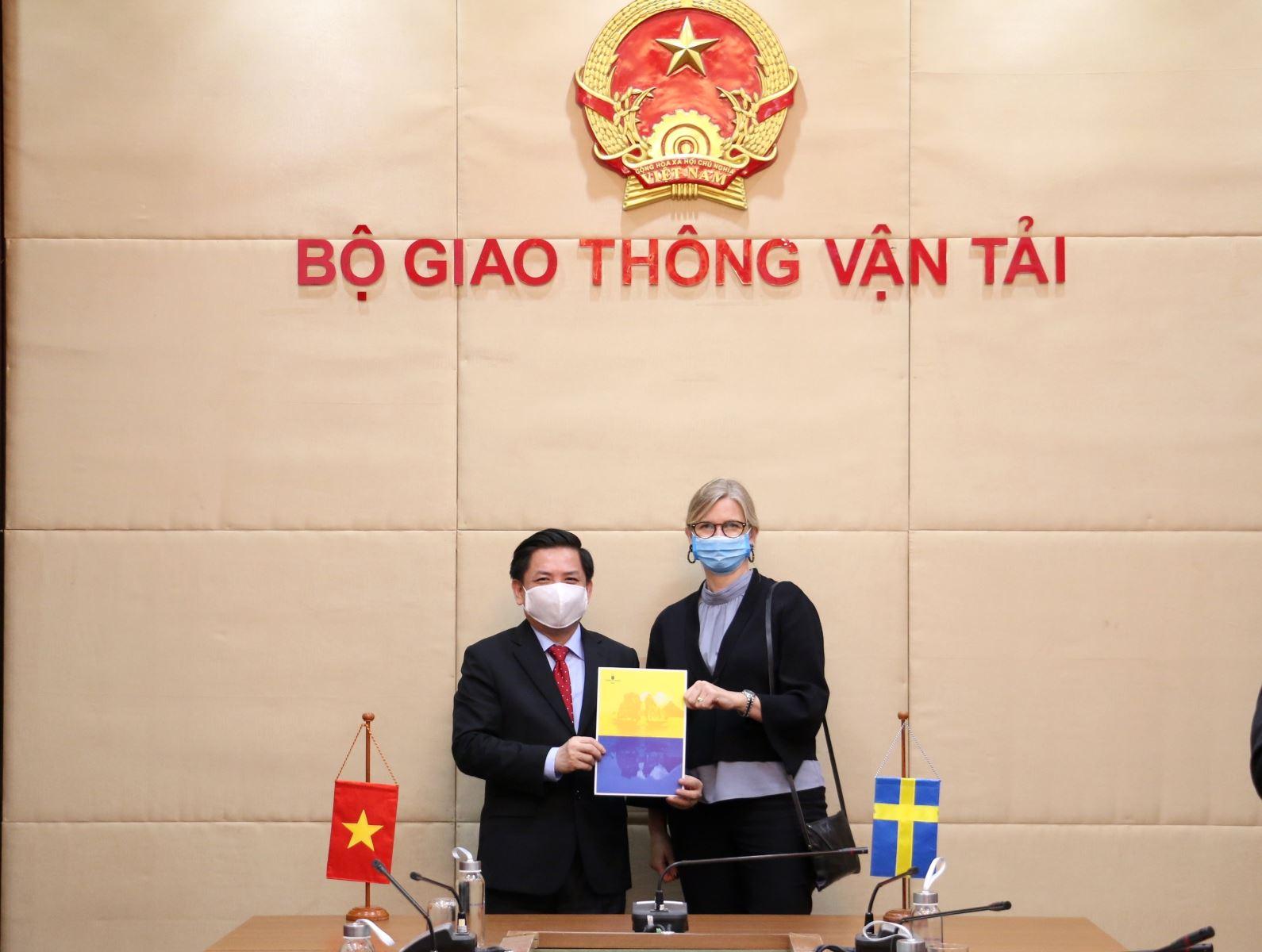 Thụy Điển đề xuất cho Việt Nam vay 2 tỉ USD phát triển sân bay Long Thành, nhà ga Tân Sơn Nhất - Ảnh 1.