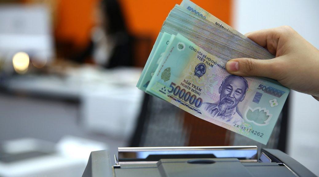 Các ngân hàng tung loạt gói vay lãi suất ưu đãi dịp cuối năm - Ảnh 1.