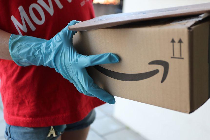 Mục tiêu kì quặc của Amazon mùa dịch COVID-19: Bán được ít hàng hơn - Ảnh 1.