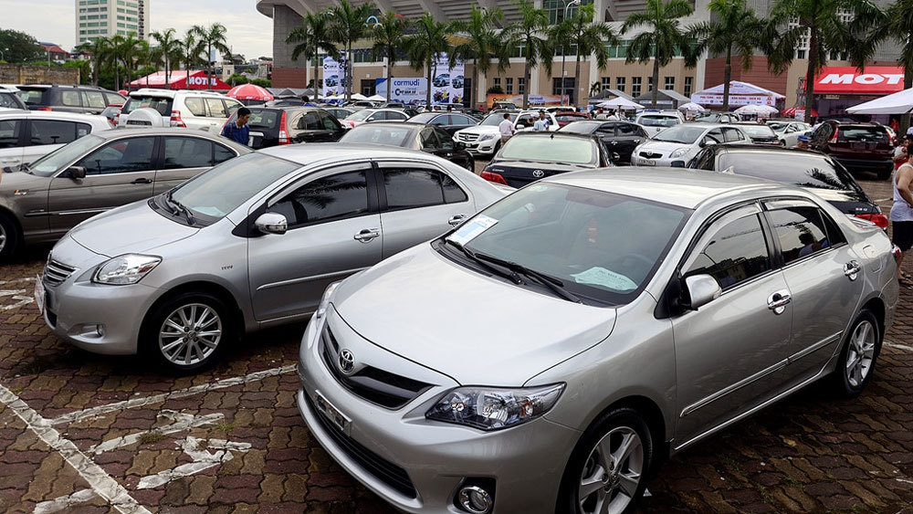 Hụt tiền chi tiêu, sếp đồng loạt rao bán ô tô giá rẻ - Ảnh 2.