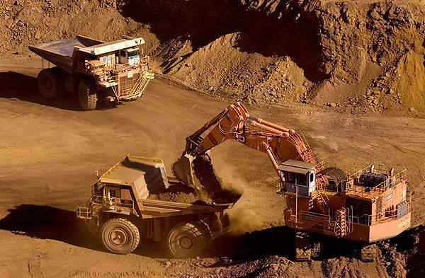 Giá thép xây dựng hôm nay (22/4): Giá quặng sắt sụt giảm khi lo ngại nguồn cung dư thừa - Ảnh 1.