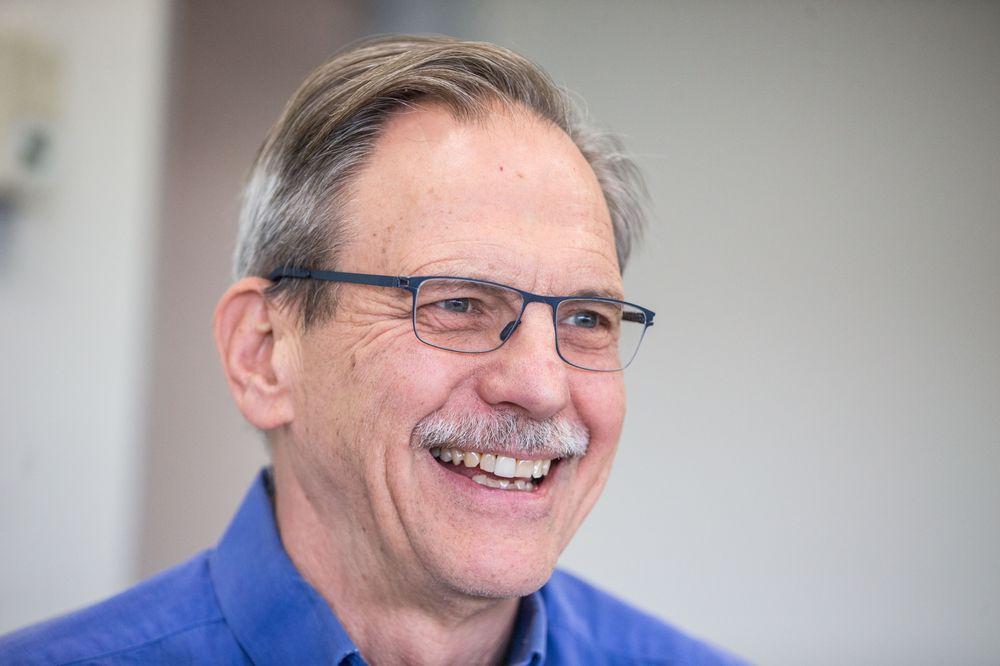 Giáo sư Timothy Springer.