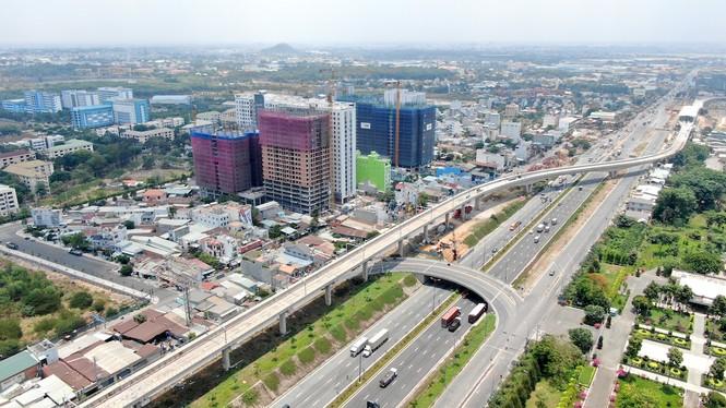 Cuộc đua của hàng loạt cao ốc 'đu bám' dọc tuyến Metro Bến Thành - Suối Tiên - Ảnh 16.