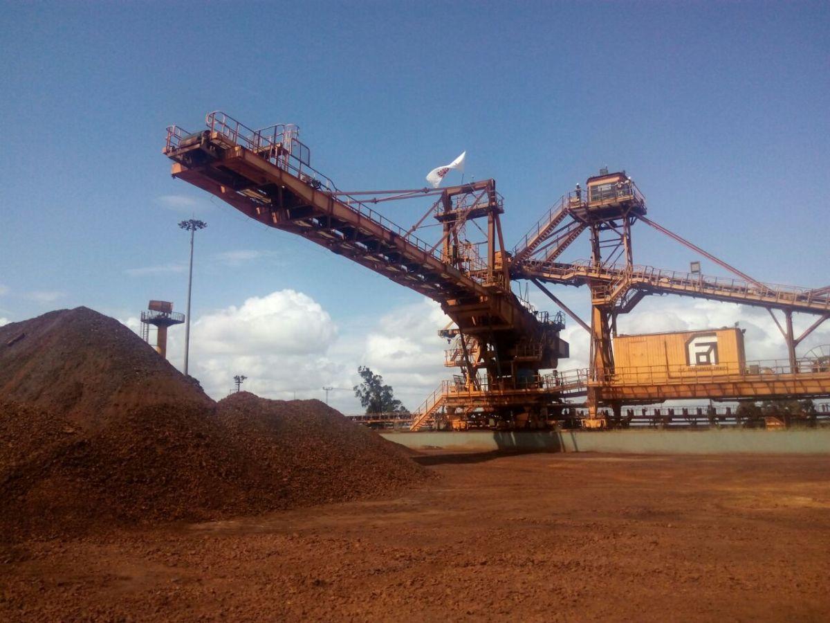 Giá thép xây dựng hôm nay (23/4): Giá quặng sắt phục hồi nhờ kì vọng nhu cầu - Ảnh 1.