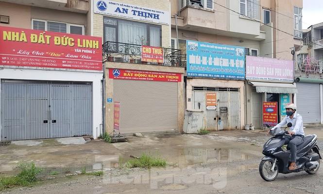 Sàn môi giới địa ốc vẫn 'cửa đóng then cài' khi hết hạn cánh li xã hội - Ảnh 6.