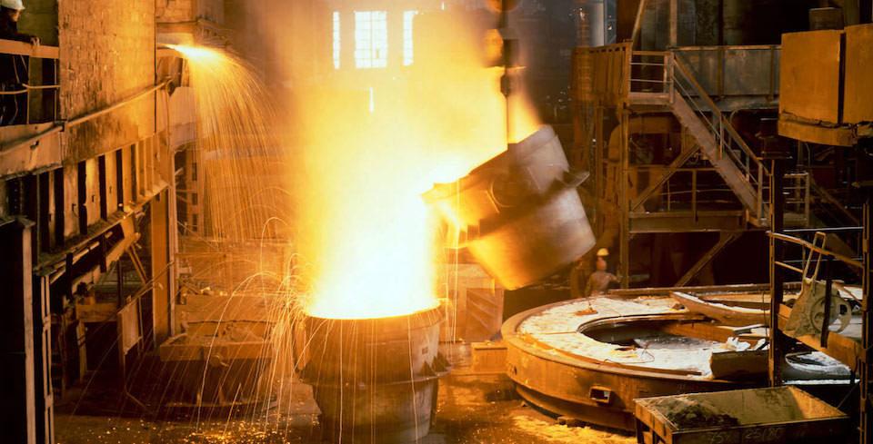 Giá thép xây dựng hôm nay (25/4): Dự trữ kim loại tại Trung Quốc giảm tuần thứ 6 liên tiếp khi nhu cầu xây dựng tăng - Ảnh 1.