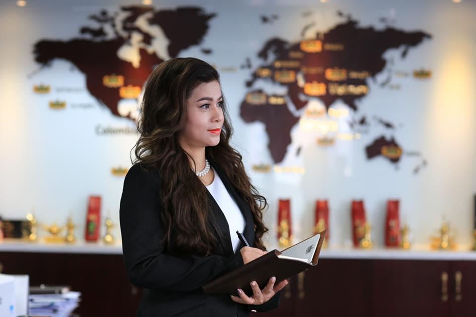 Bà Lê Hoàng Diệp Thảo kể tội 'Phó chủ tịch tâm linh' của Trung Nguyên  - Ảnh 1.
