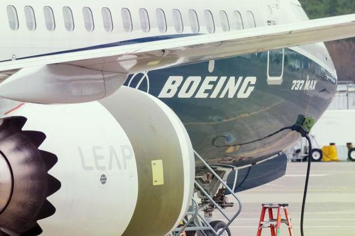 Boeing thông báo sẽ cắt giảm 16.000 việc làm vì thua lỗ nặng - Ảnh 1.