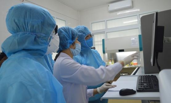 Thủ tướng đồng ý tạm dừng mua sắm thuốc điều trị cho tình huống 10.000 người nhiễm COVID-19 - Ảnh 1.