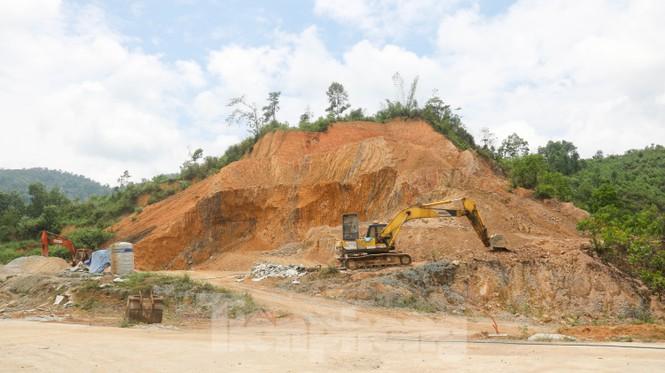 Huyện nghèo ở Quảng Nam xây tượng đài chục tỉ đồng - Ảnh 8.